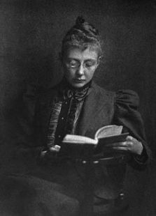 Agnes_Repplier_Reading